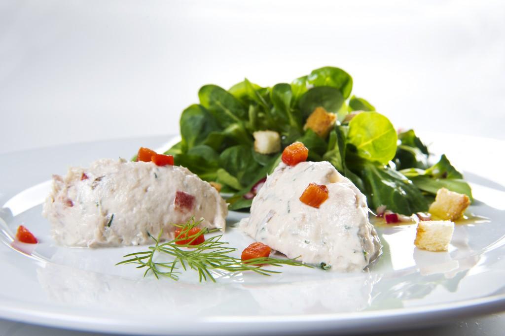 Makrelen-Mousse mit kleinem Feldsalat